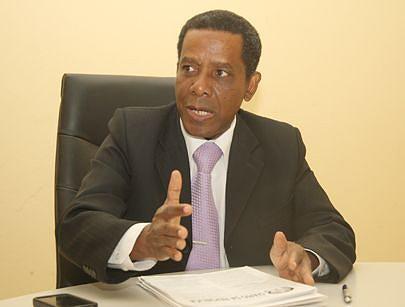 Pedro Lemos explica que existe em Angola grande utilização de material radioactivo
