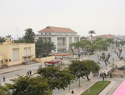 A bela cidade do Sumbe observa o aumento de mulheres a exercerem vários ofícios