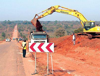A intervenção na Estrada Nacional 180 já trouxe melhorias substanciais na circulação e as obras prometem uma via rodoviária moderna