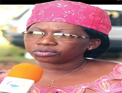 A directora Lurdes Canona apela as mulheres a participarem na reconstrução do país
