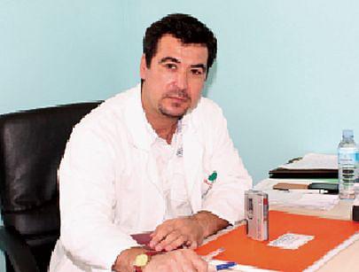 Médico cirurgião plástico Kodirov Ahad