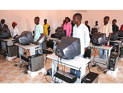 O curso de informática é dos que atrai também muitos jovens ávidos em conhecerem oa meandros das novas tecnologias