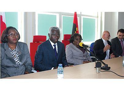 Acto que marcou a assinatura do acordo para o arranque da segunda fase da construção e apetrechamento da Academia de Pescas