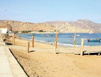 A vila piscatória da Lucira representa um mercado do peixe importante para o Namibe e outras províncias da região Sul do país