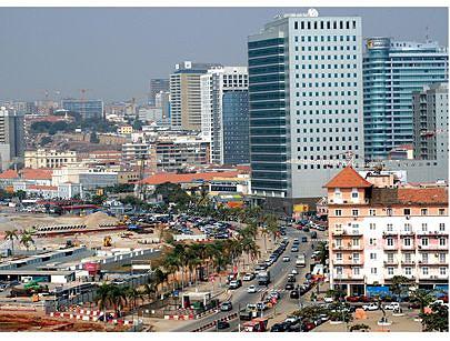 O país tem recebido rasgados elogios pelo seu crescimento económico nesta era de paz