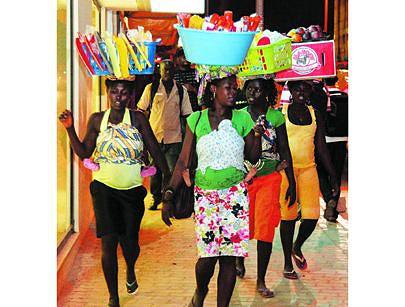 As vendedoras ambulantes que tenham projectos deixam de vender na via pública