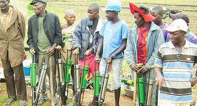 Os problemas que os agricultores e comerciantes rurais enfrentam no ecoamento dos produtos vão ser resolvidos nos próximos dias