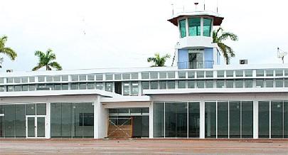 No aeroporto tem-se observado a circulação de cabritos e também de pessoas o que dificulta a montagem de equipamento na pista