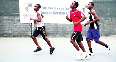 Atletas em mais uma fase de preparação para o treino visando o campeonato nacional