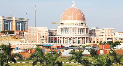 Presidente destaca a imponência das futuras instalações do Parlamento angolano que será a Casa da Democracia em Angola