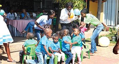 É preciso empreender um esforço conjugado entre a família e a sociedade para que a criança tenha um crescimento harmonioso e feliz
