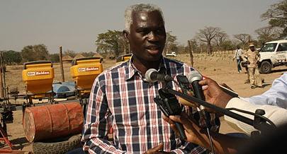 Ministro da Agricultura incentiva produtores