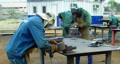 O curso de serralharia consta entre os mais procurados pelos jovens de Namacunde