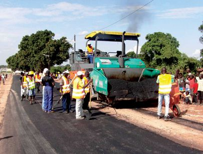 Projecto de reabilitação da estrada vai facilitar as trocas comerciais entre as regiões e a livre circulação de pessoas e mercadorias