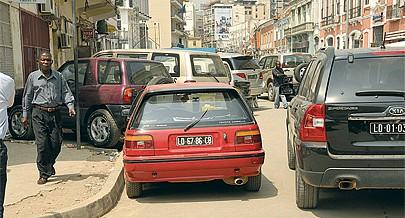 O perímetro urbano de Luanda está a ficar pequeno face ao aumento do parque automóvel