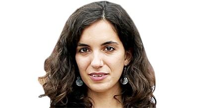 Andrea Sala Siménez ministra formação a bibliotecários angolanos