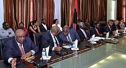 Comissão multisectorial reuniu no Lubango com os governadores provinciais e administradores municipais das regiões afectadas