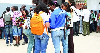 A rede escolar em Luanda vai crescer com o surgimento de novos estabelecimentos o que vai permitir a entrada de mais estudantes