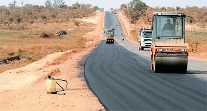 A construção e reabilitação das estradas principais bem como as secundária tem permitido uma circulação fluída o que permite que o aumento da oferta de bens e serviços à província