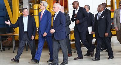 O chefe da diplomacia dos EUAanunciou ontem financiamentos para aquisição de um Boeing da TAAG e projectos no sector da energia