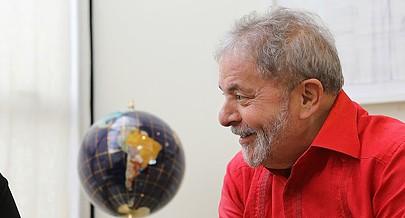 Lula da Silva encarna uma história de batalhas e sucessos reconhecidos mundialmente
