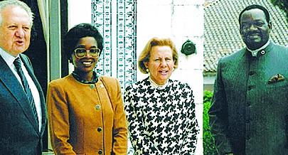 Savimbi recebeu Mário Soares e Maria Barroso em Pretória em pleno regime de apartheid
