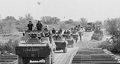 Retirada das tropas do regime do apartheid de Angola depois da derrota inflingida pelas forças armadas angolanas no Cuito Cuanavale