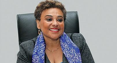 Carolina Cerqueira defende o resgate do papel das mulheres na família e na sociedade