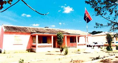 A sede municipal de Nambuangongo conta com escolas do primeiro e segundo ciclos onde estudam milhares de estudantes