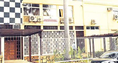 Instituto Nacional de Bolsas de Estudo tem à disposição vagas para o próximo ano lectivo
