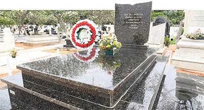 Raul Arguelles foi o comandante dos primeiros combatentes cubanos que chegaram a Angola para ajudarem os angolanos a enfrentar e derrotar os invasores estrangeiros