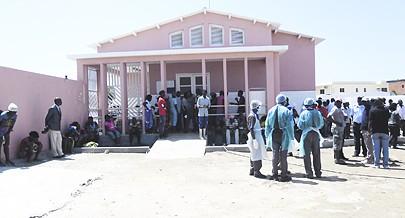 Morgue do hospital do Lobito registou ontem uma grande movimentação de familiares à procura dos seus ente queridos desaparecidos
