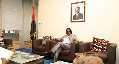 A comissária-geral de Angola na Expo Milão 2015 faz o retrato da participação no evento e destaca a importância de atrair investimentos