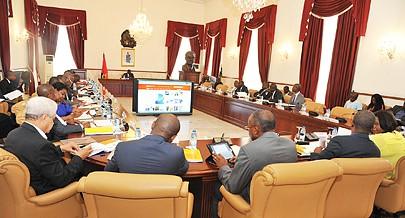 Governo Provincial e parceiros sociais estiveram ontem reunidos para encontrar soluções sustentáveis para Luanda voltar a brilhar