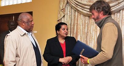 Momento da assinatura do memorando de entendimento entre o Ministério do Ambiente e a National Geographic
