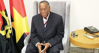 ''O MPLA é todo o povo e cada militante deve sentir-se obrigado a ajudar a força em que Angola deve acreditar para continuar a crescer''