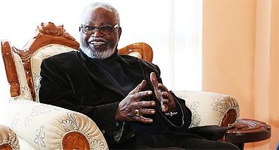 Ex-Presidente namibiano destaca os esforços feitos por Angola em prol da região e para desenvolver a sua economia