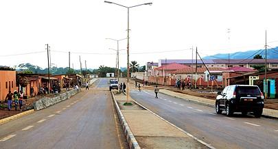 A estrada que liga Mbanza Congo a  Nóqui  até à fronteira do Luvo já está asfaltada
