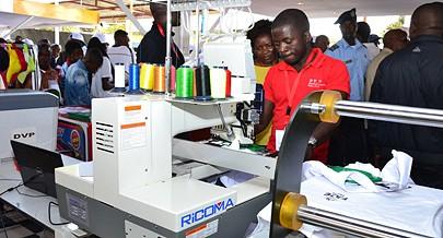 Pequenas e médias empresas beneficiaram de incentivos nos últimos anos e  surgiram principalmente no sector do comércio e serviços