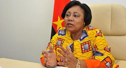 Ministra da Família e da Promoção da Mulher  fala das vantagens da mulher em todos os sectores da vida nacional em número cada vez maior