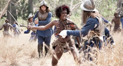 """Uma das cenas do filme """"Njinga Rainha de Angola"""" em que a actriz angolana interpreta o papel principal numa produção da Semba Comunicação"""
