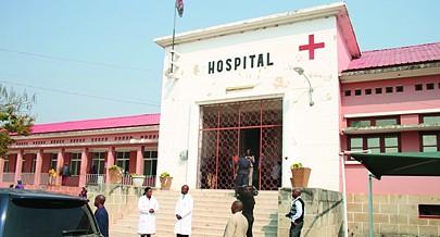 Unidade hospitalar construída durante a época colonial  já pequena para as necessidades
