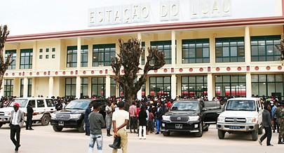 Estação do Luau dispõem de um edifício técnico de telecomunicações com sinalização e plataformas para embarque e desembarque de passageiros