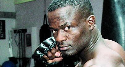 Campeão almej combater em Angola