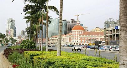 """""""Angola tem estabilidade e a sua capital tem todas as condições para tudo dar certo"""", afirma o consultor internacional em assuntos urbanísticos Dan Embarek"""