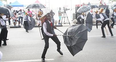 União Operário Kabokomeu e a dança do guarda sol
