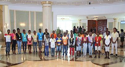 Beleza do novo edifício da Assembleia Nacional foi motivo de alegria e satisfação para crianças do Sambizanga