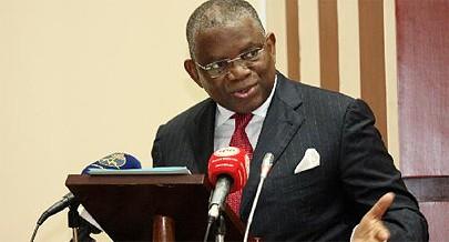 Ministro das Relações Exteriores deixou ontem Gaberone com destino a Lisboa