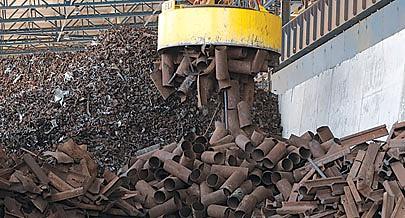 Foi proibida a exportação de sucata que é usada como matéria-prima na indústria siderúrgica