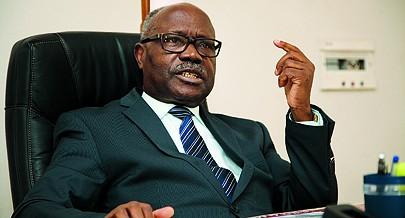 Lucas Ngonda considera que é preciso preparar a juventude para assumir com responsabilidade e compromisso o futuro do país